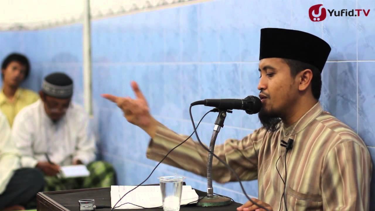 kajian-islam-ilmiah-mengingat-allah-ketika-senang-dan-susah-ustadz