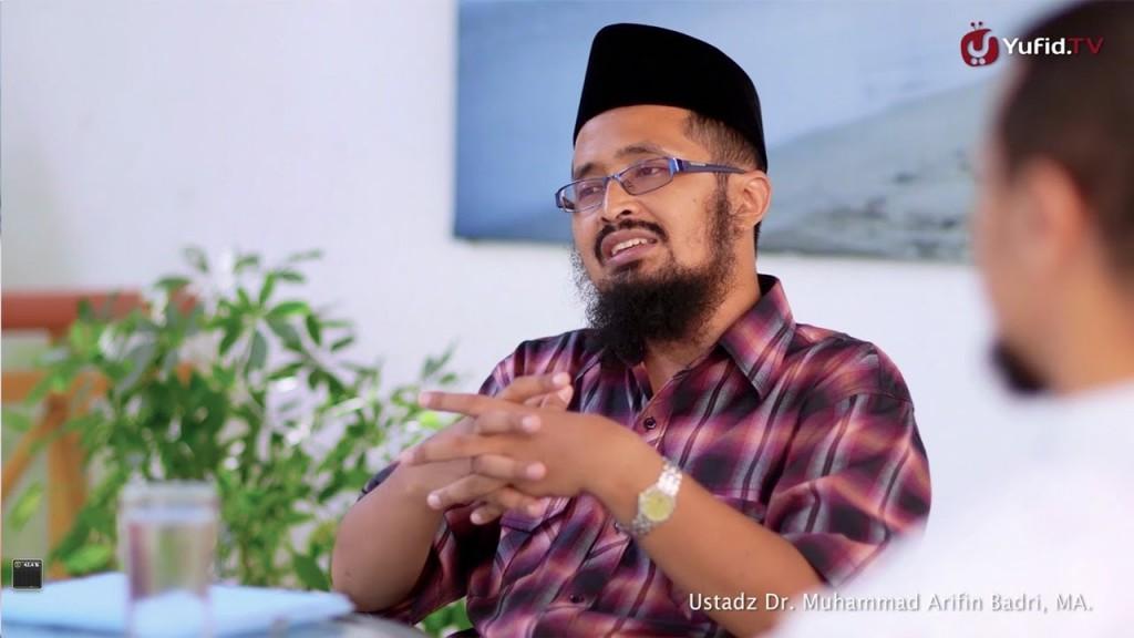 kultum-lebaran-2013-akhlak-islam-dalam-memuliakan-tamu-ustadz-dr