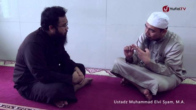 Konsultasi Syariah: Imam Lupa Jumlah Rakaat Shalat dan Tidak Sujud Sahwi – Ustadz M. Elvi Syam